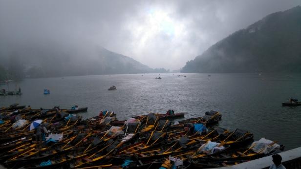 lake_boats